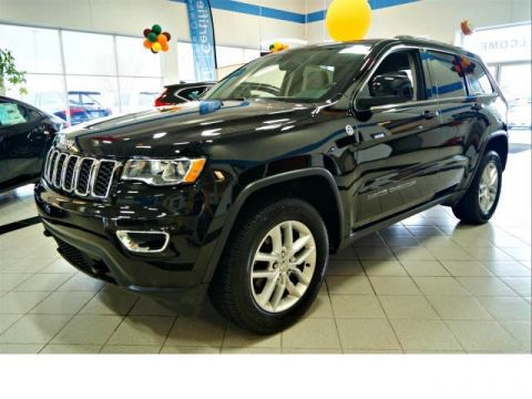 Pre-Owned 2017 Jeep Grand Cherokee Laredo 4WD 4WD