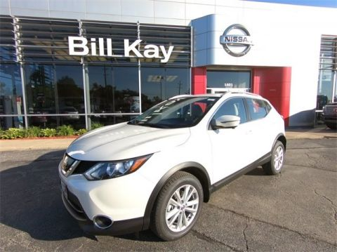 New 2018 Nissan Rogue Sport SV with Navigation & AWD
